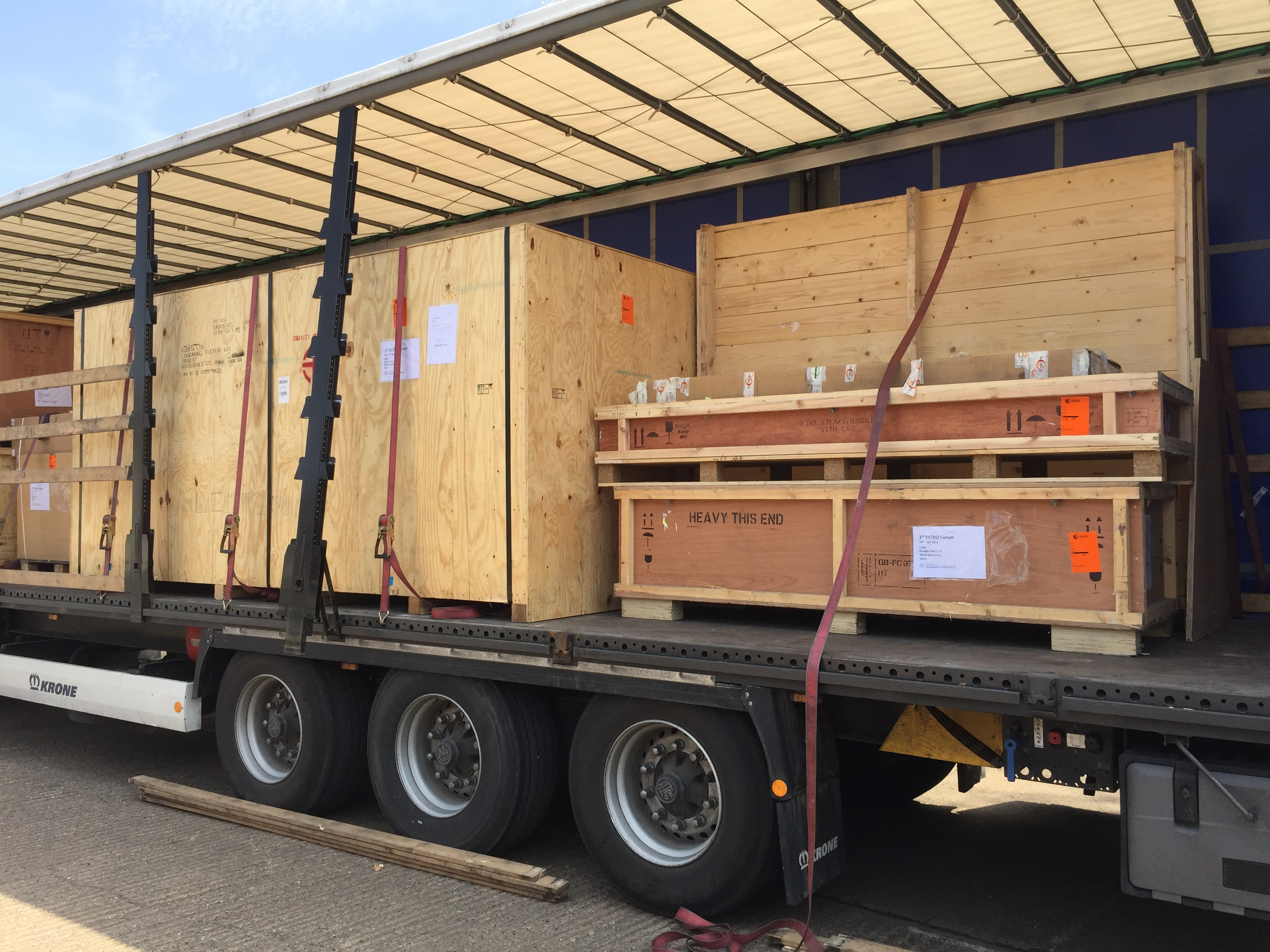 Exhibition Stand Transport : Exhibition freighting logistics event transport services ebiss uk